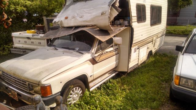 86 toyota custom pickup for sale photos technical. Black Bedroom Furniture Sets. Home Design Ideas