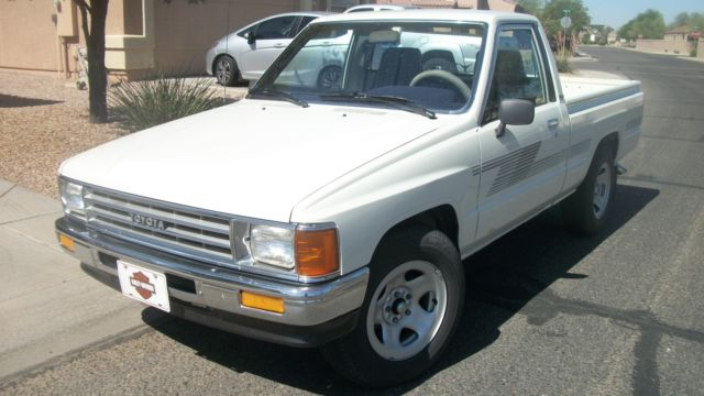 1987 Toyota Other / Hilux Faster than a speeding ticket!!!