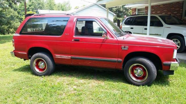 1988 GMC S-15  JIMMY 2  DOOR