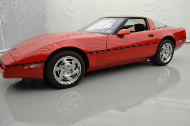 1990 Chevrolet Corvette Base Hatchback 2-Door