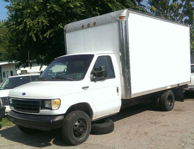 93 ford e350 35c box truck cutaway van 14 39 roll up dually 460 gas a t no reserve for sale. Black Bedroom Furniture Sets. Home Design Ideas