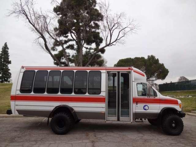94 ford e350 shuttle bus diesel 7 3 low 36k miles 4x4 rare truck 22 passanger for sale photos. Black Bedroom Furniture Sets. Home Design Ideas