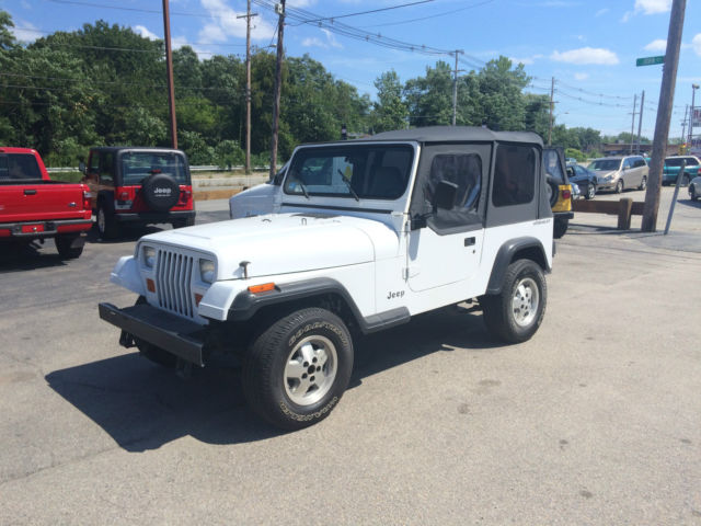 94 white jeep wrangler super clean southern jeep no rust new top low miles for sale photos. Black Bedroom Furniture Sets. Home Design Ideas