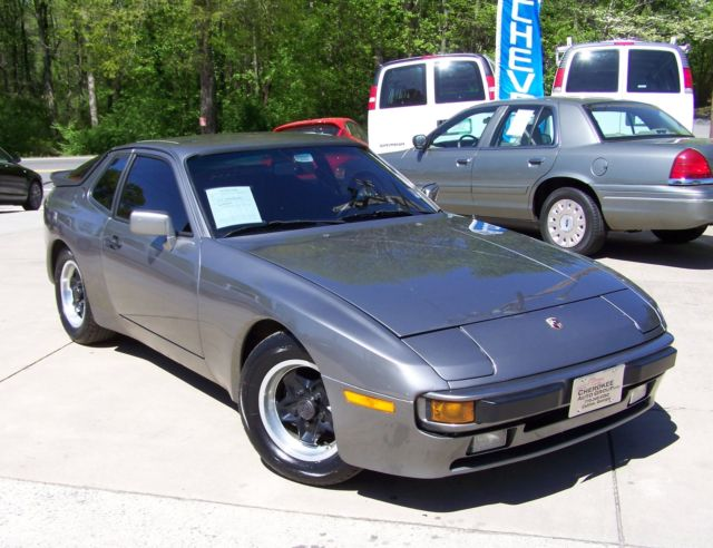1985 Porsche 944 50k 5-SPEED TURN KEY ROCK SOLID COUPE MUST SEE IT