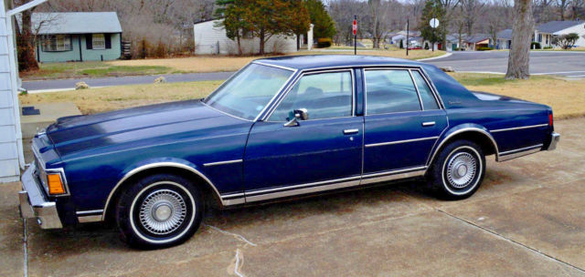 1979 Chevrolet CAPRICE CLASSIC 4-DOOR LOADED
