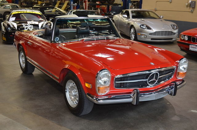1969 Mercedes-Benz 200-Series 280SL