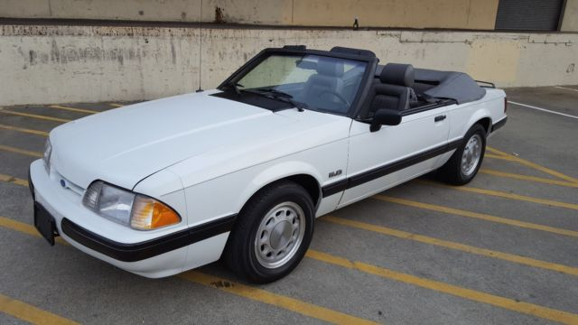 1989 Ford Mustang LX 5.0 Convertible