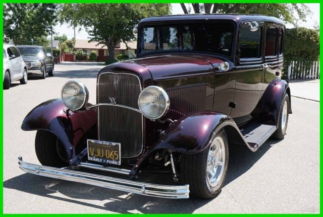 All steel 1932 ford 4 door sedan cadillac ice cherry 350 for 1932 ford four door