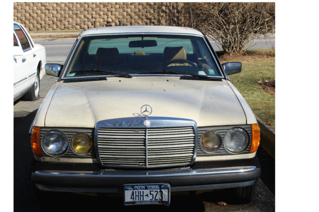 1984 Mercedes-Benz 300-Series 2 Door coupe