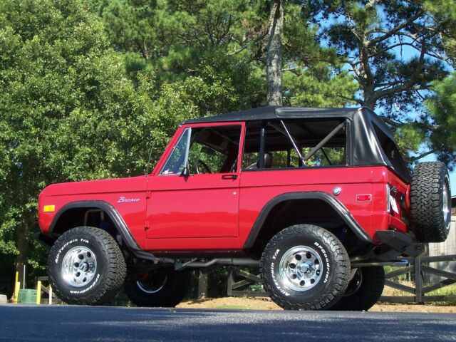 1976 Ford Bronco Lifted/Loaded