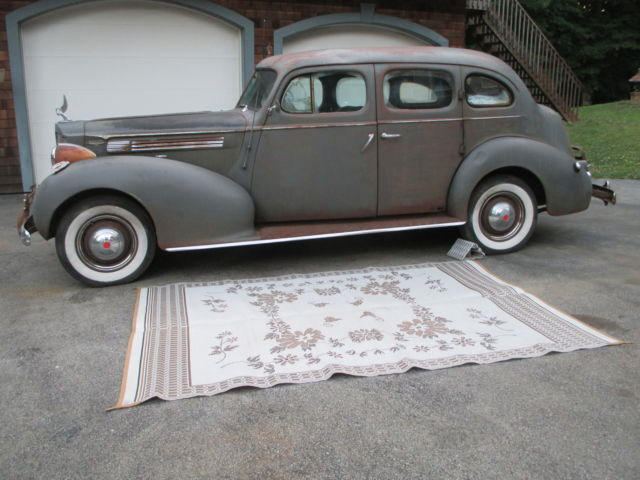 1939 Packard super 8 Sedan