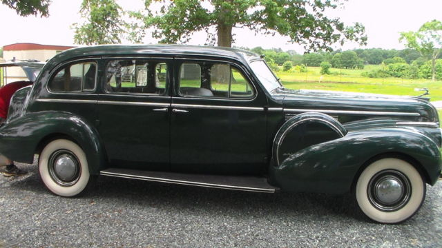 1940 Buick Limited 90 S limosine
