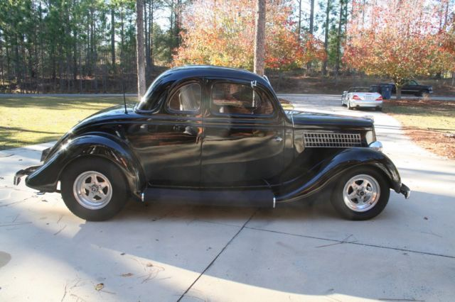 Beautiful 1935 ford 5 window coupe w 350 cu in chevy for 1935 chevy 5 window coupe
