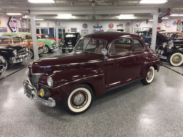 1941 Ford Deluxe Cloth