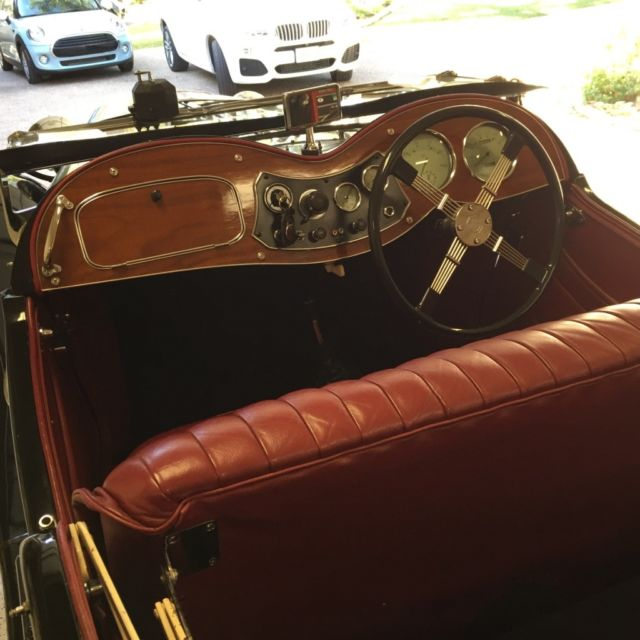 1950 Black MG TD TD Roadster Convertible with Red interior