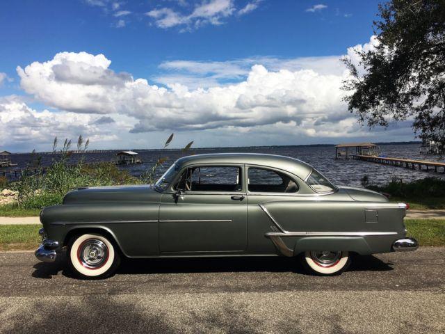 beautiful 1953 oldsmobile super 88 2 door  1951 1952 1954