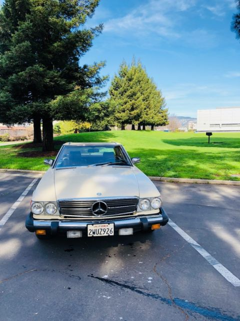1982 Mercedes-Benz SL-Class Leather/wood