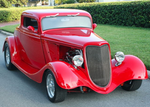 1934 Ford HOT ROD COUPE A/C - 350 V-8 - 5K MILES