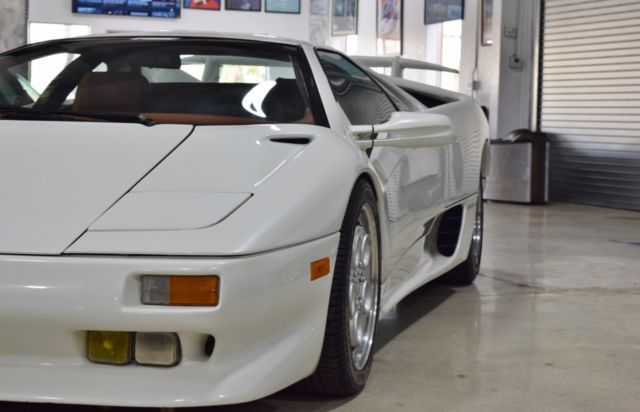 1991 White Lamborghini Diablo Coupe with Brown interior