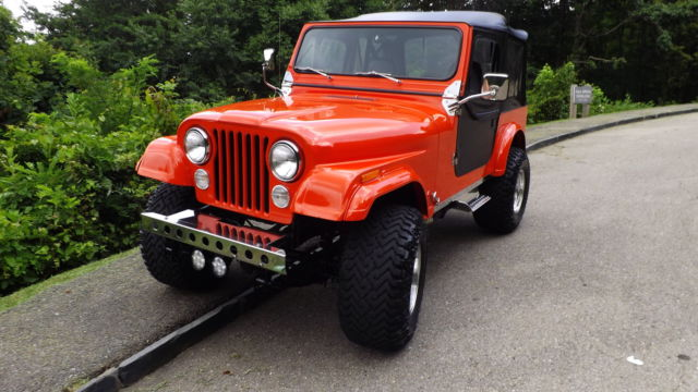 beautifully restored custom jeep wrangler cj7 4x4 w monster 350 chevy v8 for sale photos. Black Bedroom Furniture Sets. Home Design Ideas