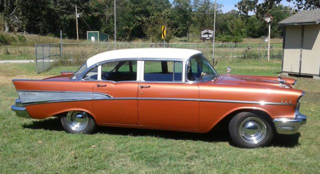 1957 Chevrolet Bel Air/150/210 sedan