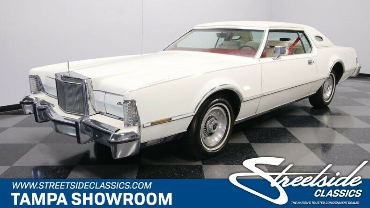 1976 White Lincoln Continental Mark IV Coupe with White interior