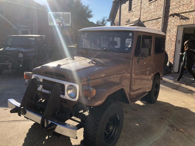 1980 Brown Toyota Land Cruiser BJ 40 SUV with Gray interior