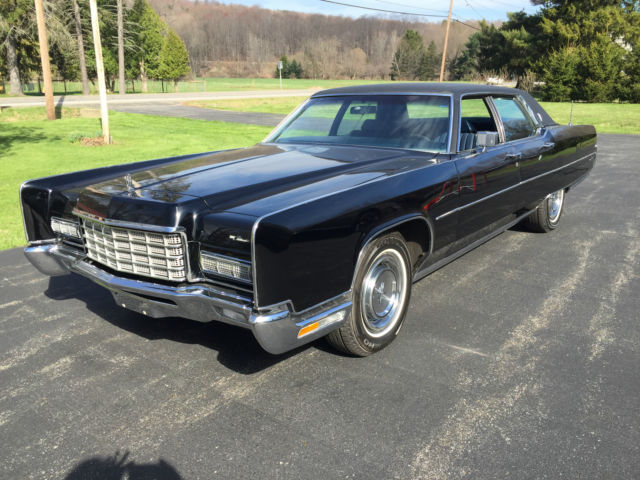 Black 72 Continental 4 Dr 23k miles - Beautiful Condition for sale