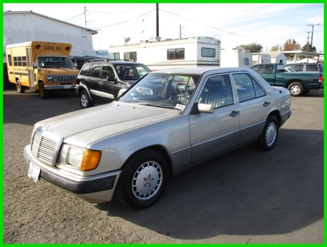 1991 Mercedes-Benz 300-Series 4 Dr