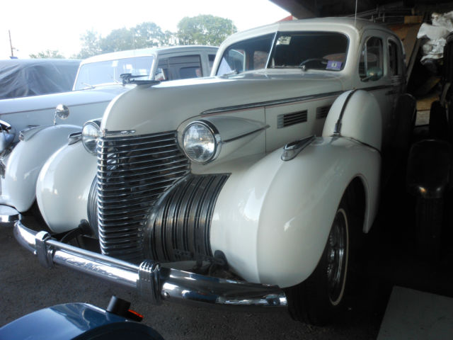 1940 Cadillac Fleetwood Limo style
