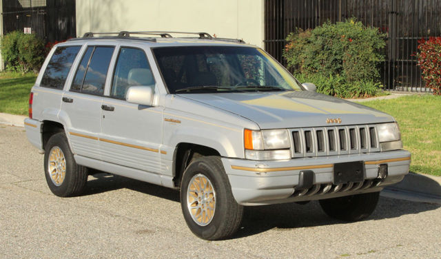 California Survivor, 1994 Jeep Grand Cherokee Limited 100% Rust Free, 5.2lt  V 8