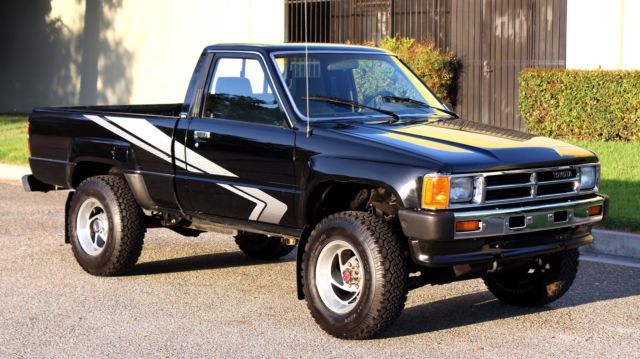 1988 Toyota Tacoma / Pickup,4x4, California One Owner, Hi Lux