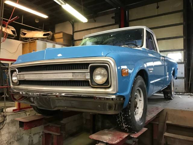 1969 Chevrolet C20 396 Camper Custom