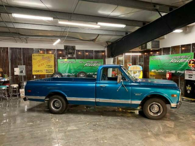 1969 Chevrolet C/K Pickup 1500 Custom 10