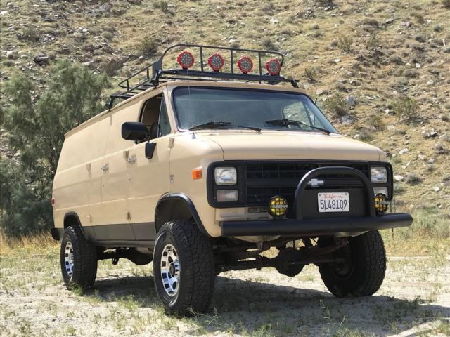 1986 Chevrolet G30 VAN/4X4/ REAL HEAD TURNER! CUSTOM