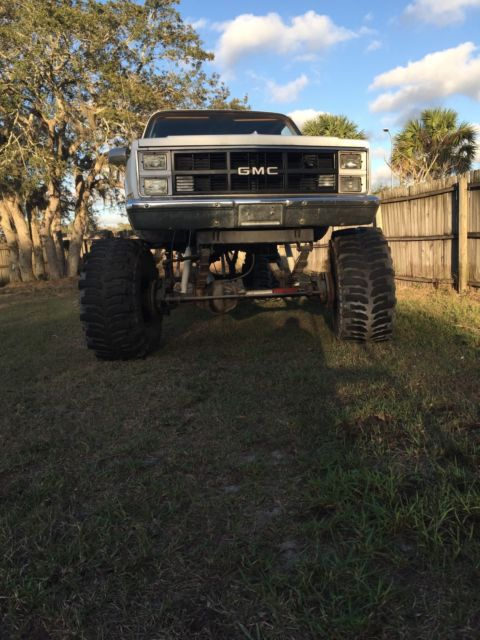Chevy 3500 Mud Truck 16 Quot Lift 44 Quot Bogger Tires For Sale