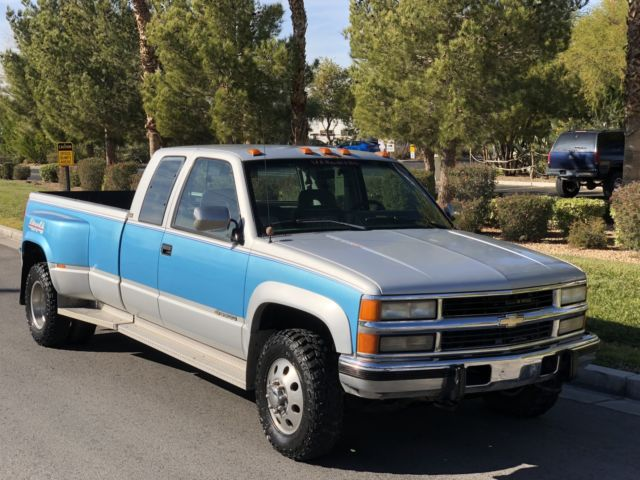 Chevy Silverado 3500 1 Ton Dually Turbo Diesel 6 5l 4x4 Turn
