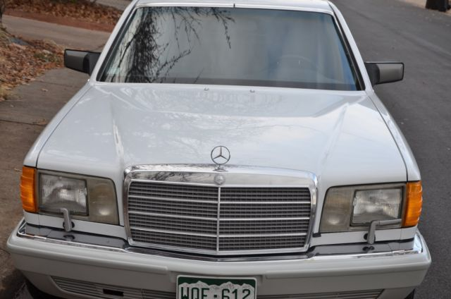 1990 Mercedes-Benz 400-Series Stock Trim Excellent Condition