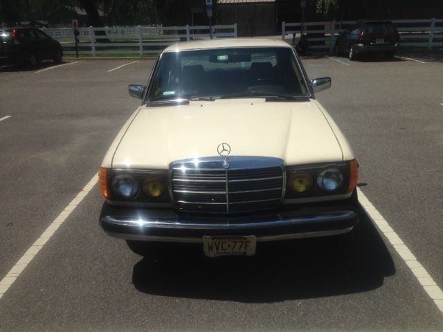 1985 Mercedes-Benz 300-Series 300 D