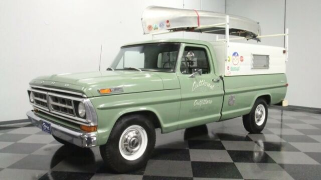 1971 Green Ford F-250 Custom Pickup Truck with Green interior