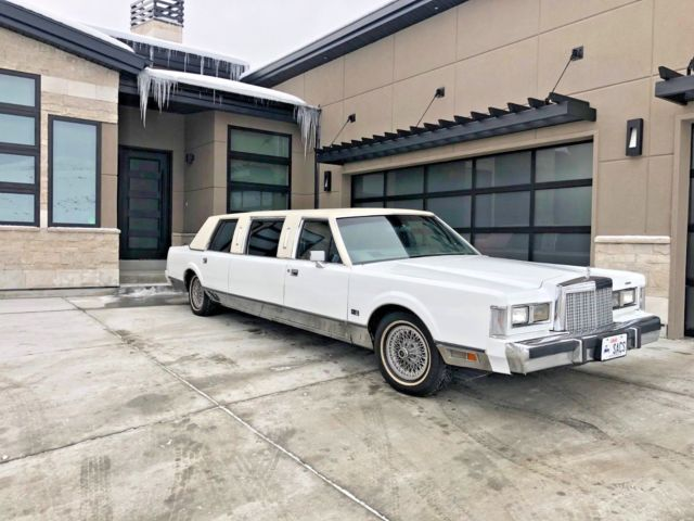 1985 White Lincoln Town Car Limousine with Gray interior