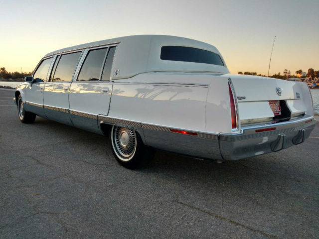 1994 Cadillac FLEETWOOD COMMERCIAL GLASS, PRESIDENTIAL ROOF LINE FLEETWOOD