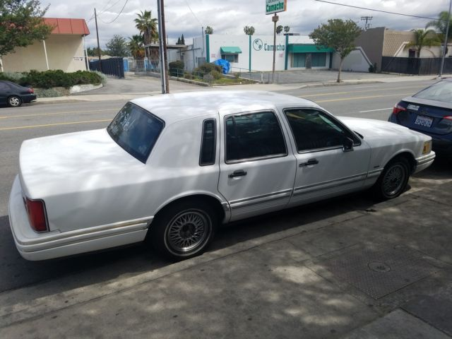 Clean Title 1993 White Lincoln Town Car Smog Registered 2017 For