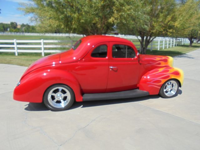 1940 Ford Deluxe Coupe none