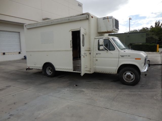 1989 Ford E-Series Van E-350 Dully