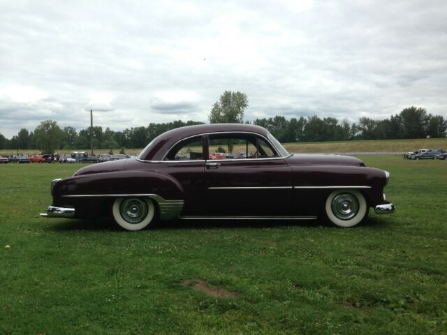 1952 Honduras maroon Chevrolet Other Styleline Coupe with Black interior
