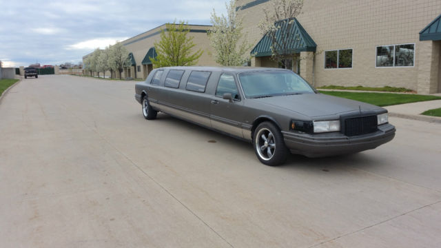 Custom Classic Lincoln Town Car Stretched Limo Hot Rod Rat Rod