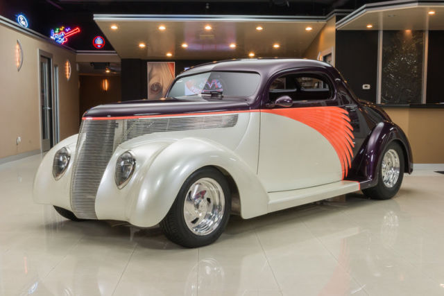 1937 Ford 3-Window Coupe Street Rod