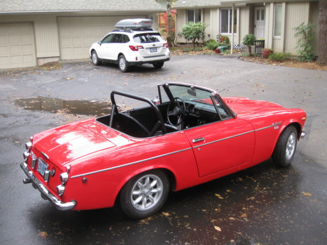 Datsun 2000 Roadster with Nissan SR20DE engine and five