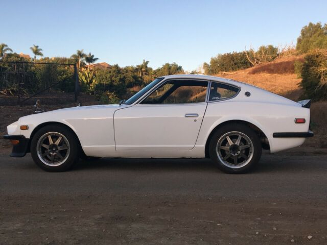 Datsun 240z 5 Speed And Webers Front Air Dam And Rear Spoiler For Sale Photos Technical Specifications Description